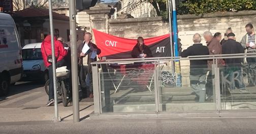 Le mercredi 17 février 2016, le syndicat de Montpellier et une délégation du syndicat de Pau étaient réunis à l'angle de la rue Marceau et du Boulevard Gambetta, là ou se situe le Consulat d'Espagne en soutien avec les travailleurs du spectacle espagnol, qui relaxés depuis peu, n'en risquent pas moins que 8 années d'incarcération